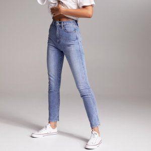 Aritzia Denim Forum   Anjelica High Rise Jeans